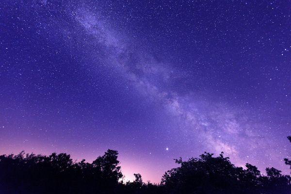 La Voie lactée depuis le plateau du Larzac - Photo d'illustration