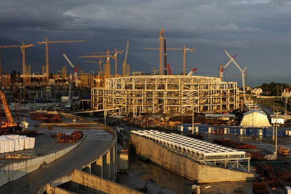 Le chantier de construction du parc olympique de Sotchi en 2011.