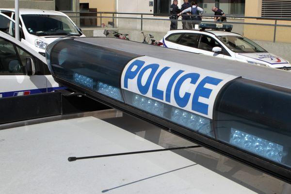 Le principal suspect de la fusillade mortelle à Vénissieux (Rhône) aurait reconnu les faits
