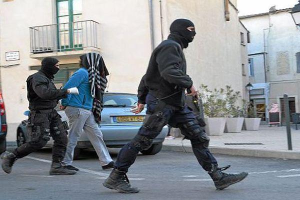 Lunel (Hérault) - l'un des 5 suspects interpellés dans l'opération anti-djihadistes - 27 janvier 2015.