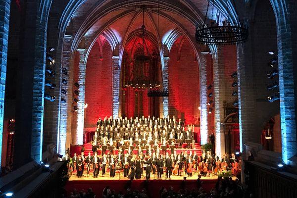 Pour cette 51ème édition, Daniel Kawka est à la tête du Choeur et de l'Orchestre symphonique la Verdi de Milan.