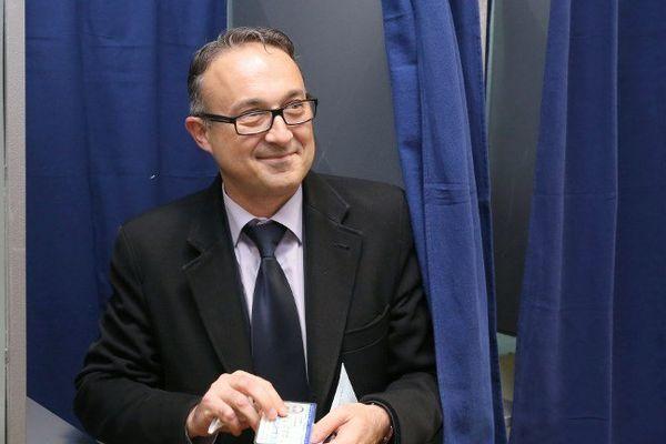 Philippe Lavaud, ancien maire PS d'Angoulême, est candidat à la présidence d'agglomération.