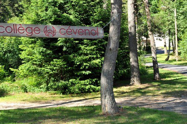 Le collège-lycée Cévenol du Chambon-sur-Lignon (Haute-Loire) a été placé en redressement judiciaire en mai 2013.