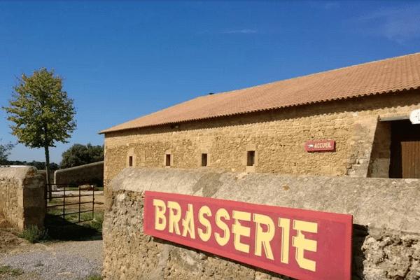 Une bergerie du XVIIIème siècle sur le domaine de Sulauze fait office depuis 2013 de brasserie artisanale.