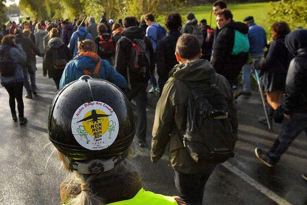 Entre 300 et 500 manifestants ont parcouru plusieurs kilomètres dans la ZAD.