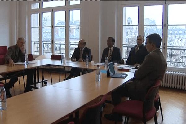 """Dans l'affaire dite des """"enfants réunionnais de la Creuse"""", une commission d'information et de recherche historique est officiellement constituée. Les membres de cette commission se sont réunis ce jeudi 18 février 2016 à Paris."""