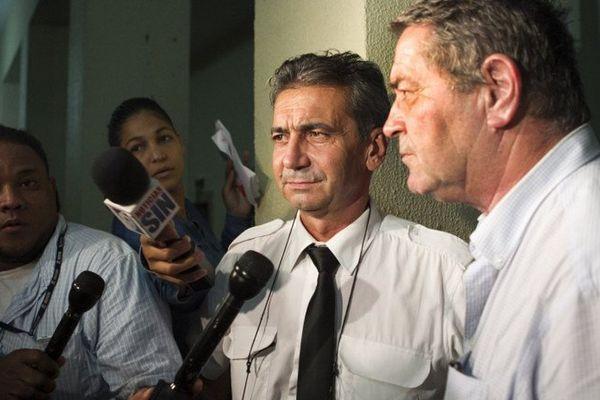Les pilotes rhônalpins Bruno Odos et Pascal Fauret, après l'annonce de leur condamnation.