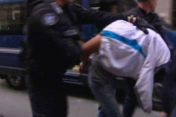 L'un des 6 hommes placés en garde à vue dans le cadre de l'enquête sur la mort du gendarme