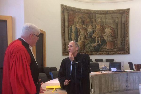 Le Procureur Jean-Luc Mercier et l'avocat Maître Khanifar n'ont pu que constater la disparition de Gérard Lemaire au premier jour du procès, le 27 mars 2017