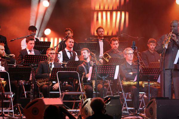 Ici, les musiciens de l'Amazing Keystone Big Band se produisaient le 6 juillet 2016 au théâtre antique de Vienne