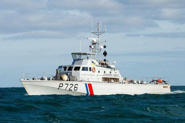 Le patrouilleur côtier de la gendarmerie maritime Aramis est intervenu jeudi après-midi pour secourir les migrants.