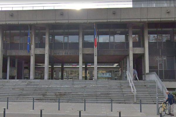 L'hôtel de ville de Grenoble.