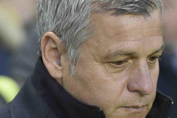L'entraîneur Bruno Genesio a annoncé sa démission, samedi 13 avril, à l'issue de la saison.