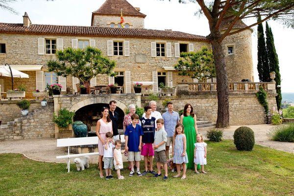 la famille royale du Danemark au château de Cayx dans le Lot réunie à l'occasion des 80 ans du prince Henrik