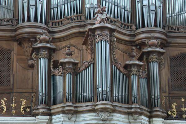 L'orgue actuel et ses 6 200 tuyaux ne sont plus en capacité d'assurer les concerts.
