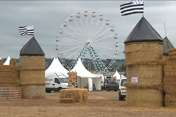 Concours de labours, course de moiss'batt', labyrinthe de maïs, grande roue... 100.000 visiteurs sont attendus sur ces trois jours de fête agricole.