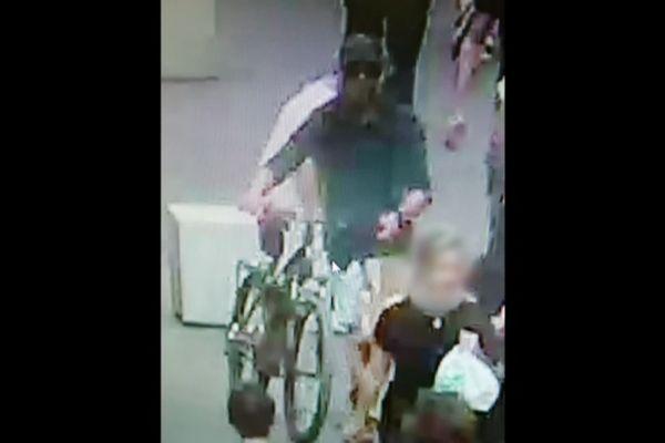 Explosion d'un colis piégé à Lyon : le suspect visible sur les caméra de vidéosurveillance