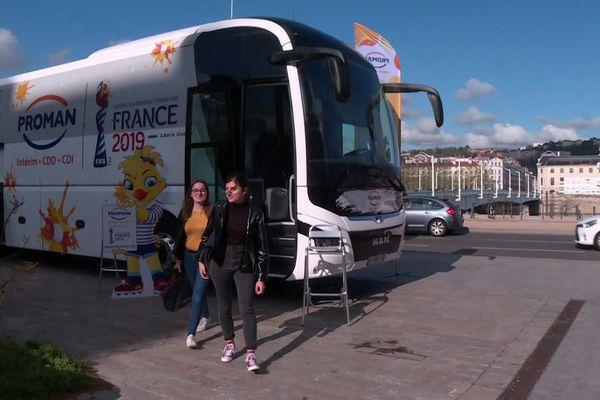 Coupe du monde de foot féminin : un bus pour l'emploi de passage à Lyon ce lundi 8 avril