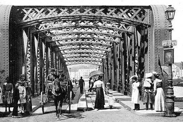 Le pont Colbert, Dieppe.