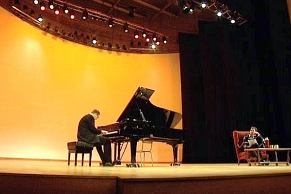 Chaque vendredi les méridiennes proposent des concerts gratuits à l'Hôtel de Ville, au conservatoire de Rouen ou au CHU.