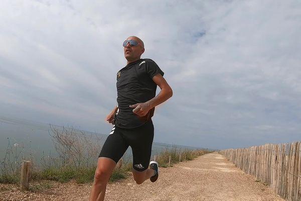 Hamid Belhaj réalisera 17 marathons en 17 jours.