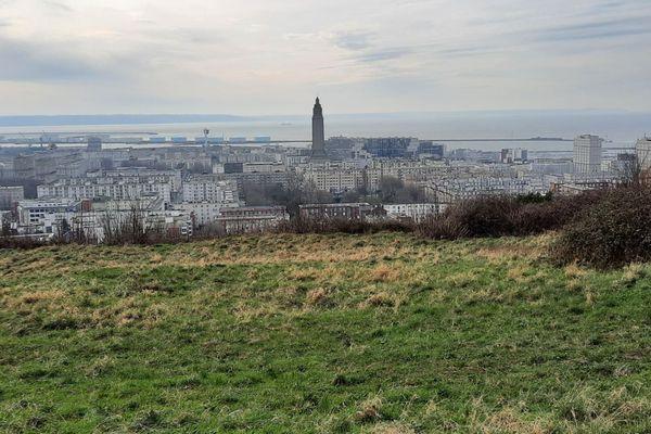 Un DIMANCHE assez nuageux au Havre et en Baie de Seine.