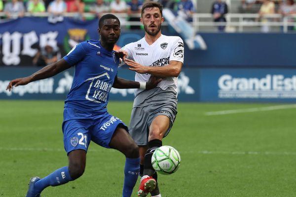 Les Rouge et Bleu ont battu Troyes 2 buts à 1 vendredi 2 août, se hissant à la tête du classement de Ligue 2.