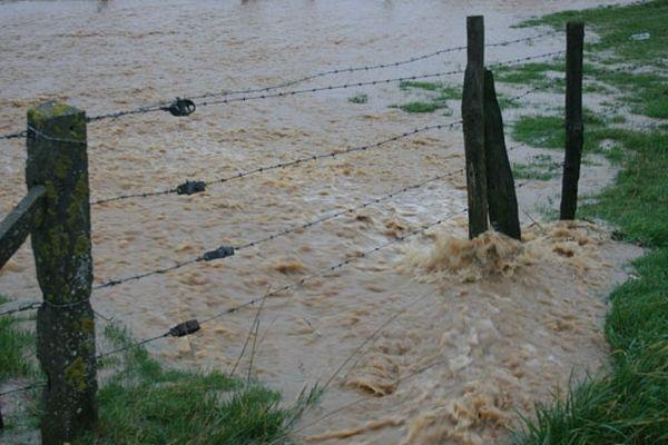 Un champ inondé à Saussezemare en Caux près d'Etretat