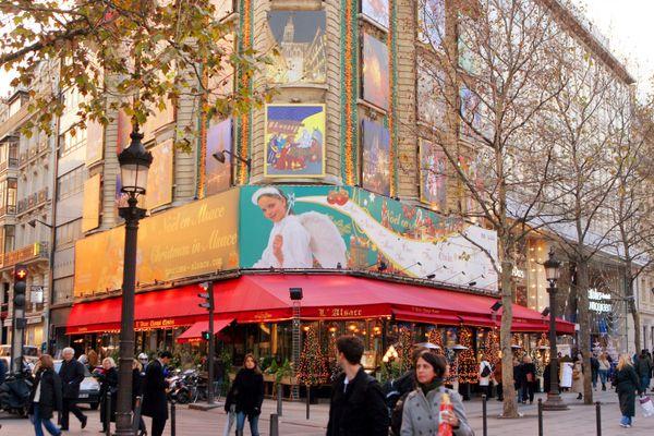 LA Maison de l'Alsace est située au 39, avenue des Champs-Élysées