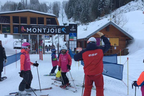 Trois cent visiteurs, skieurs et surfeurs ont inauguré la nouvelle saison de la station du Lac blanc, ce mercredi