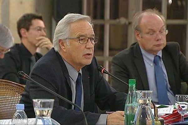 François Rebsamen, le maire (PS)  de Dijon lors d'une session du conseil municipal.