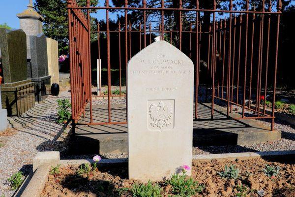 La tombe à Guînes de Wiltold Glowacki, pilote polonais du 605 Squadron de la RAF, abattu au-dessus d'Ambleteuse le 24 septembre 1940.