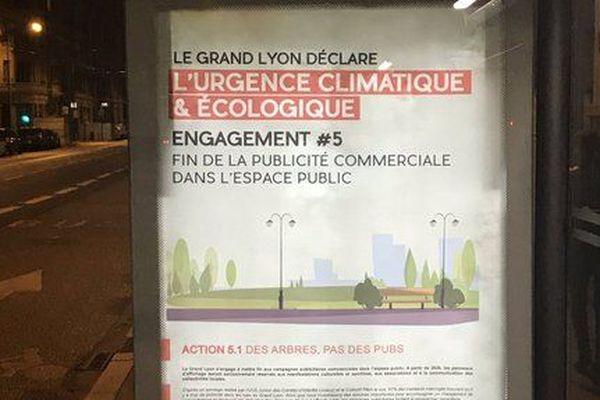 La Métropole de Lyon fait l'objet d'une fausse campagne publicitaire