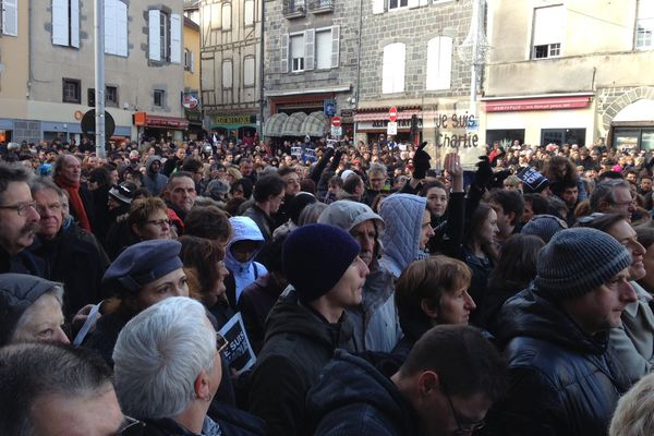 Une mobilisation exceptionnelle à Aurillac, le 11/01/15.
