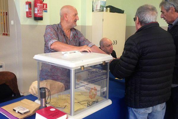 09/10/16 - Second tour de l'élection départementale partielle du 3ème canton de Bastia (Haute-Corse)