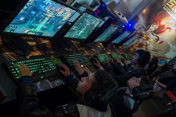 Instant de jeux lors de la Gamers Assembly 2015.
