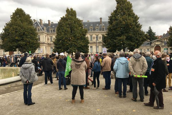 """Manifestation """"Marchons Enfants"""" devant la préfecture de Grenoble"""