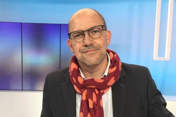 Hervé Guihard sur le plateau de France 3 Bretagne