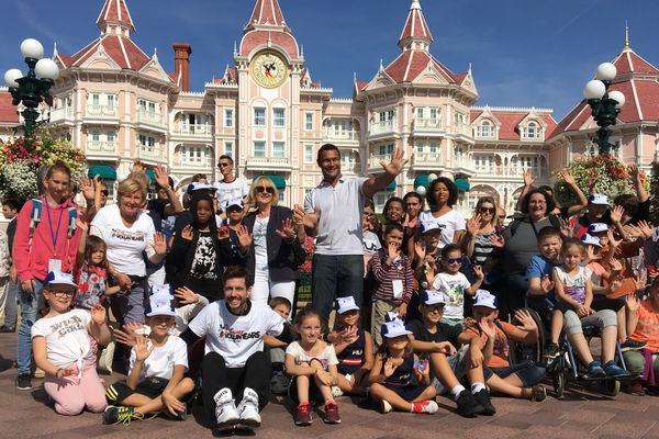 Mardi et mercredi 20 et 21 août, 5000 enfants venus de toute la France ont pu profiter du parc Disneyland Paris dans le cadre de la Journée des oubliés des vacances organisée par le Secours populaire.