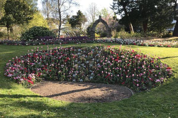 Le Jardin des Plantes est propice à la promenade, à la contemplation, mais aussi à la réflexion avec le quizz proposé tout l'été
