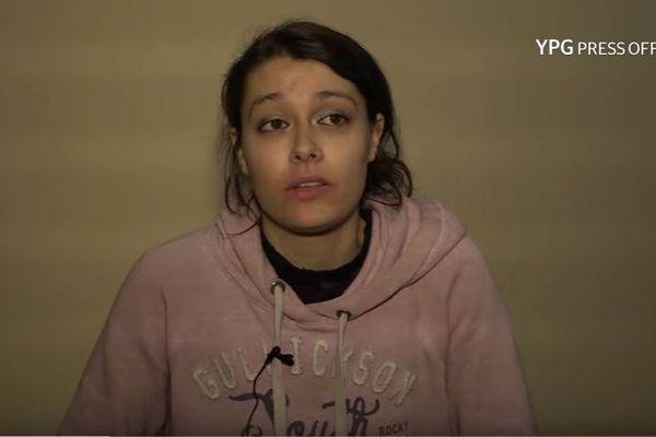 Emilie König apparaît dans une vidéo des forces kurdes par lesquelles elle est détenue depuis décembre 2017