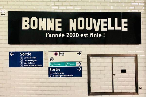 """La station a été rebaptisée """"Bonne Nouvelle, l'année 2020 est finie !""""."""