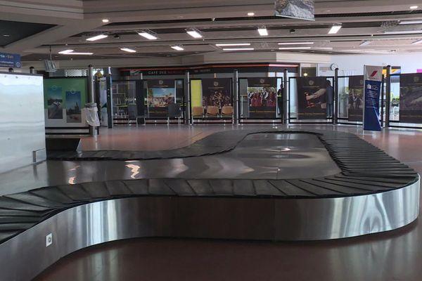 Selon la CGT, la quasi-totalité des salariés de l'aéroport de Lorient vont être licenciés.