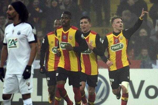 Les Lensois, emmenés par Bourigeaud, ont éliminé le FC Metz et se qualifient pour les 16e de finale de la Coupe de France.