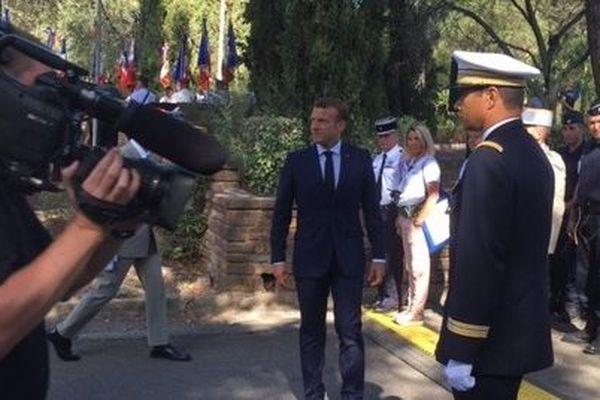 """""""Ils ont fait l'honneur et la grandeur de la France. Et pourtant qui d'entre nous se souvient aujourd'hui de leurs noms, de leurs visages ?"""", a questionné le chef de l'Etat lors de son discours lors du 75e anniversaire du débarquement de Provence."""