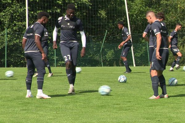 Le Clermont Foot s'entraîne au Chambon-sur-Lignon, en Haute-Loire, pour bien préparer sa saison.
