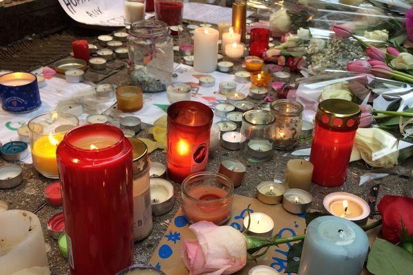 Des bougies pour les victimes et soutenir les familles