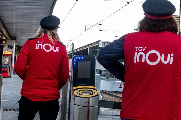 Deux agentes SNCF à Paris - Photo d'illustration