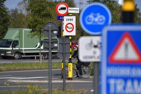 """A Anvers, la LEZ - """"zone de basses émissions"""" - interdit l'accès de la ville aux véhicules les plus polluants depuis début 2017"""
