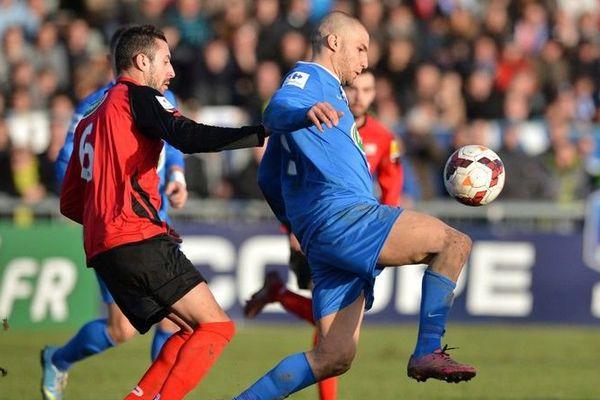 (Archives) l'attaquant de Bourg-Péronnas face à Guingamp en Coupe de France en janvier 2014